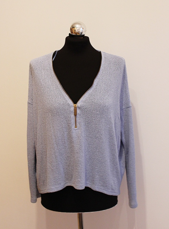 Asymetryczny sweterek zip...