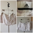 Mini biała plisowana spódnica adidas