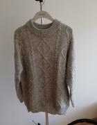 Szary sweter oversize w warkocze Reserved...