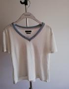 T shirt v neck reserved...