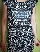 Śliczna rozkloszowana sukienka Atmosphere...