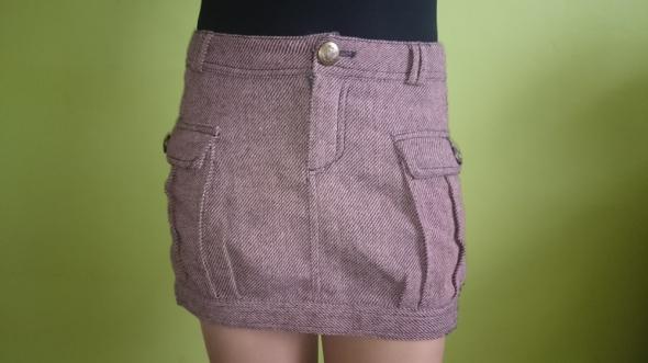 Spódnice Śliczna ciepła spódniczka Reserved