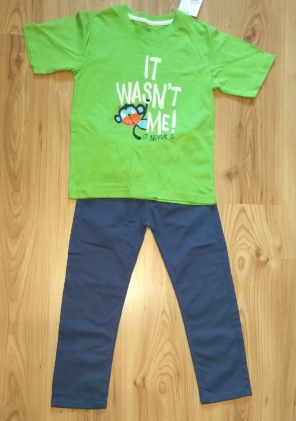 Nowy komplet zielona bluzka i granatowe spodnie chłopięce 122
