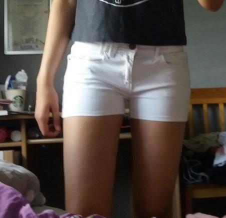 Spodenki białe szorty S jeansowe