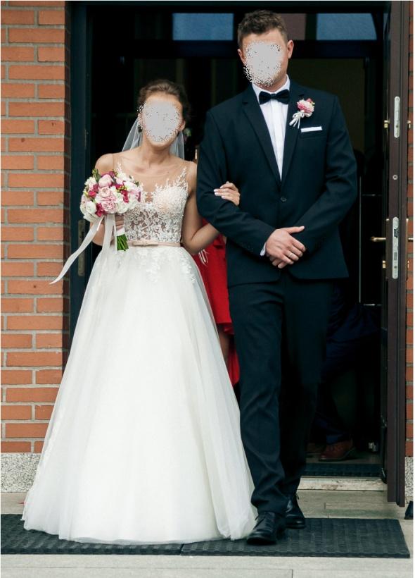 Suknie ślubne Suknia ślubna z trenem