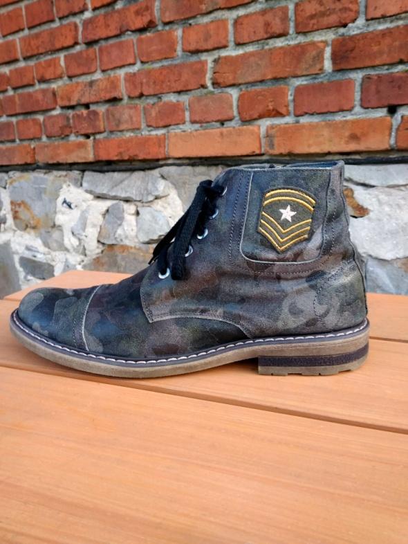 Męskie skórzane buty botki moro militarny styl Venezia 43