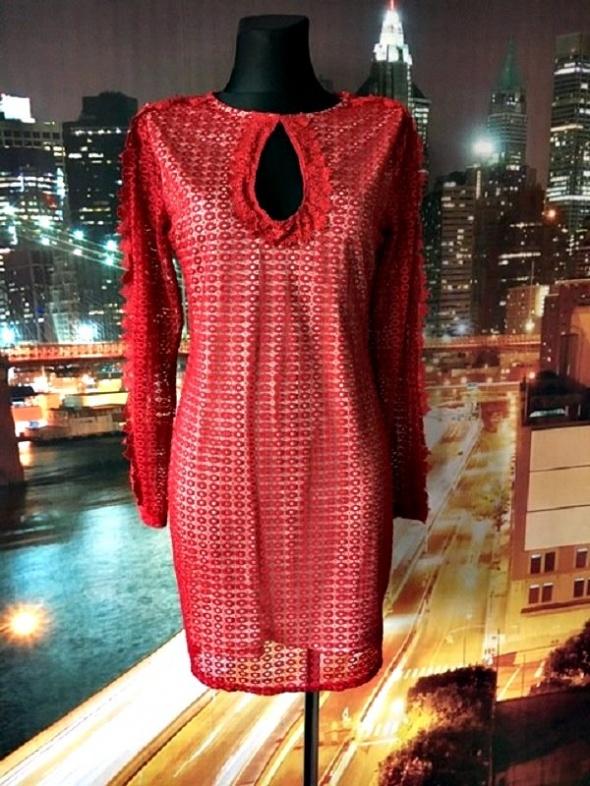 prettylittlething sukienka ołówkowa koronkowa gipiura jak nowa 40 l