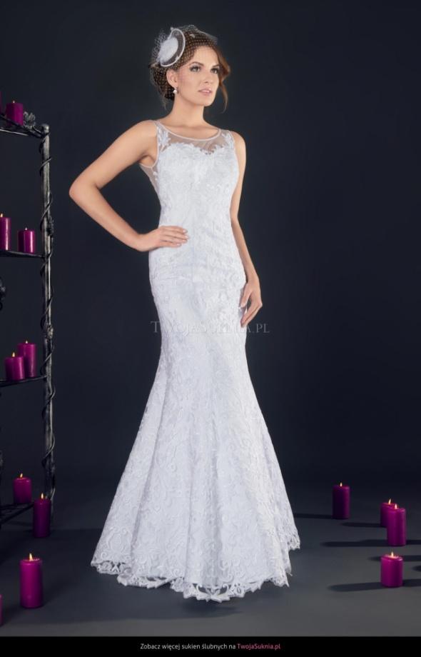 Koronkowa suknia ślubna Amparo