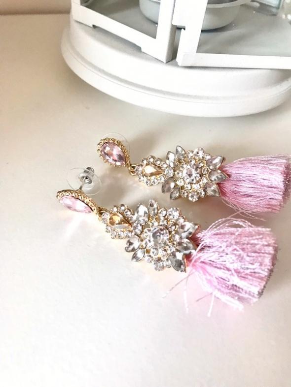 Eleganckie różowe wiszące kolczyki błyszczące chwosty