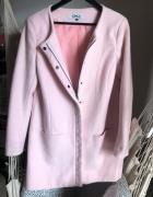 Różowy płaszcz klasyczny only L 40 pudrowy róż elegancki na suw...