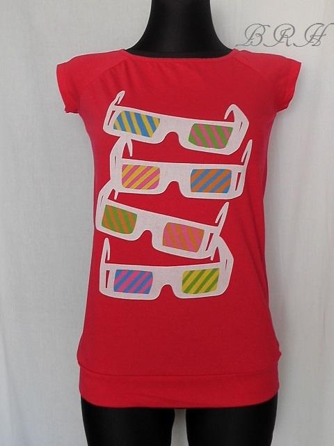 koszulka różowa aplikacja okulary