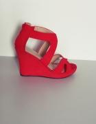 Sandały czerwone koturny 38 zamszowe...