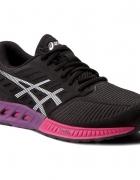Sportowe buty do biegania 245 cm r 39...