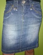 Spódnica jeansowa przed kolano...