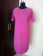 Różowa sukienka z krótkim rękawem w rozmiarze M