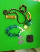 Zestaw biżuterii korale kolczyki i bransoletki...