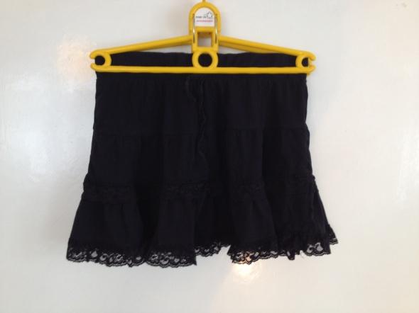Spódnice Czarna mini spódniczka gumka elastyczna XS S M 36 34 38 koronka do legginsów uniwersalna