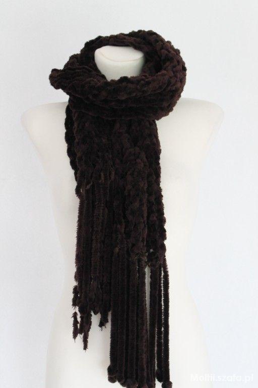 długi brązowy szal