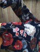 Bluza w kwiaty oversize...