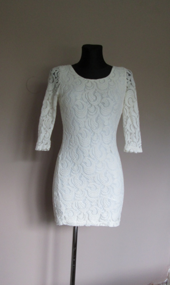 Suknie i sukienki Glamorous biała koronkowa sukienka dekolt na plecach