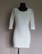 Glamorous biała koronkowa sukienka dekolt na plecach...