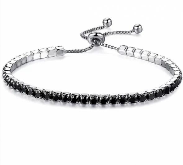 Elegancka regulowana bransoletka z czarnymi cyrkoniami