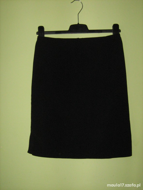 Spódnice Czarna klasyczna spódniczka roz 36 38