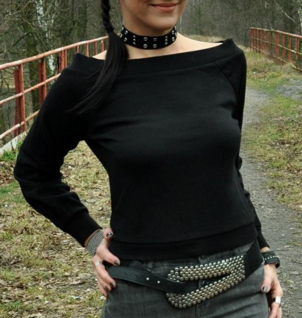 krótka czarna bluza