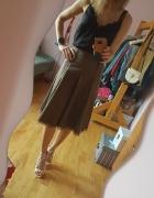Brązowa spódnica...