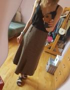 Asymetryczna ciepła spódnica...