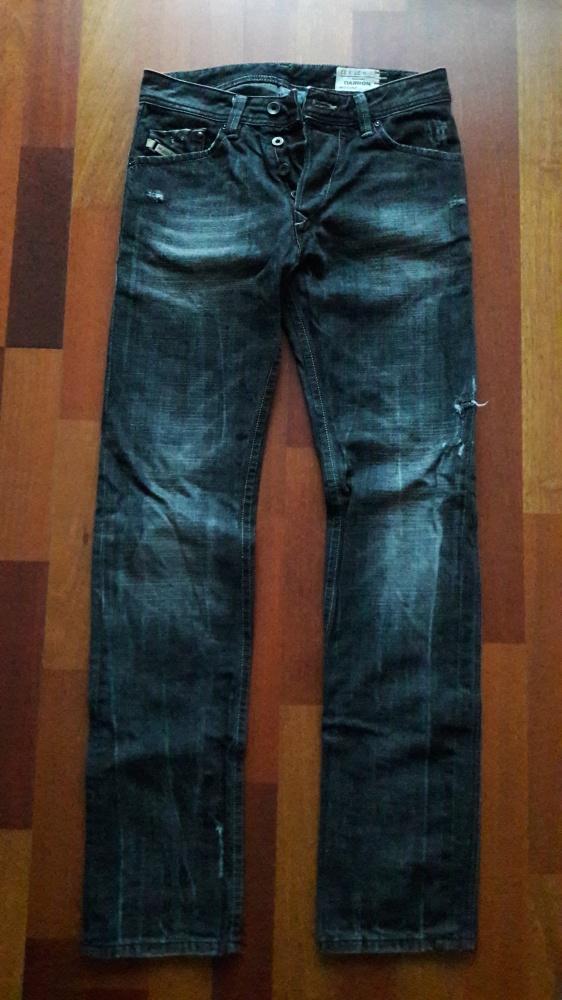 Diesel dżinsy jeansy Darron wash 008UP W27 L32 męskie czarne z dziurami