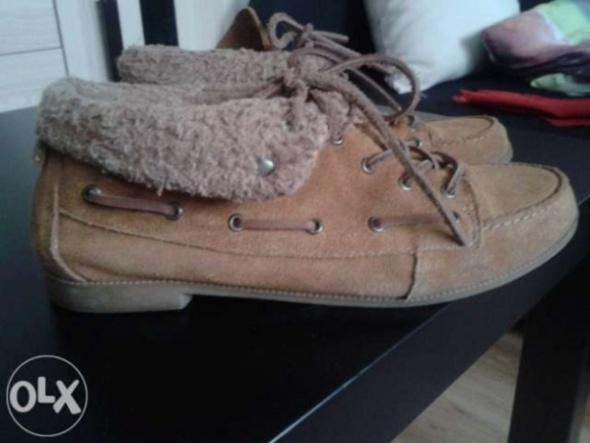 Zimowe buty damskie w Szafa.pl modne buty zimowe nowe kolekcje