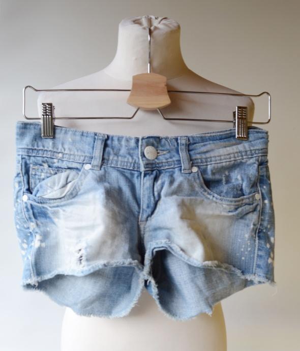 Spodenki Spodenki XXS 32 Gina Tricot Jeans Plami Wyszarpania Dziury