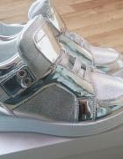 Srebrne szare sneakersy koturny błyszczące...
