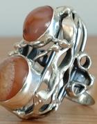 Orno olbrzymi pierścionek...
