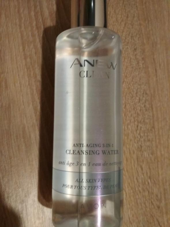 Avon Clean woda oczyszczająca...