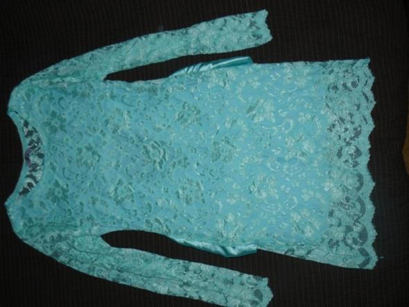 Sukienka koronkowa z podszewka M