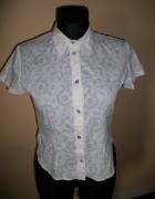 Biała bluzeczka z kolnierzykiem piękna