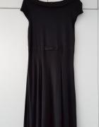 Czarna sukienka w stylu Audrey Hepburn H&M...
