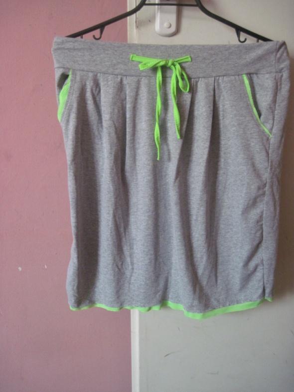 Spódnice Spódniczka dresowa neon