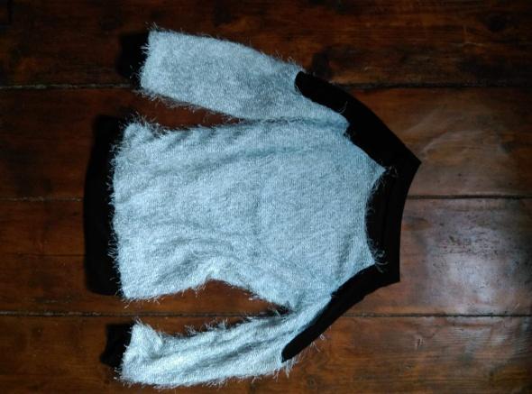 Bluzka z długim rękawem sweterek biała czarna elegancka