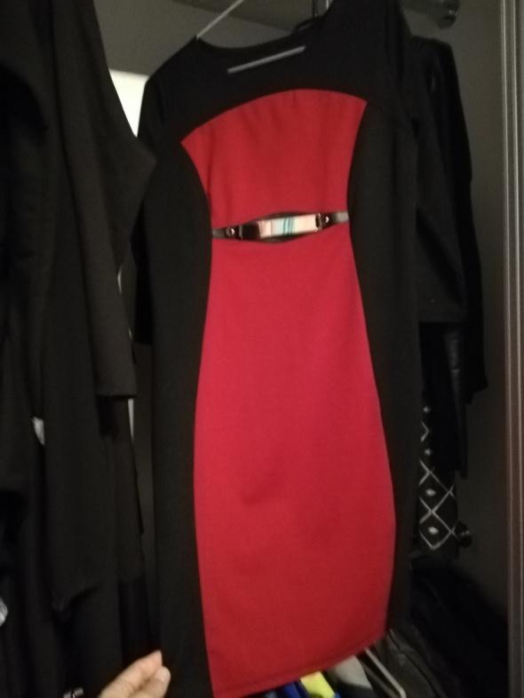 Sukienka czerwona czrewonoczarna taliowana