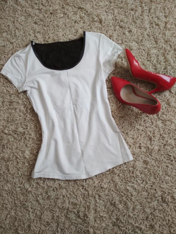 biała bluzka z czarną siateczką z tyłu