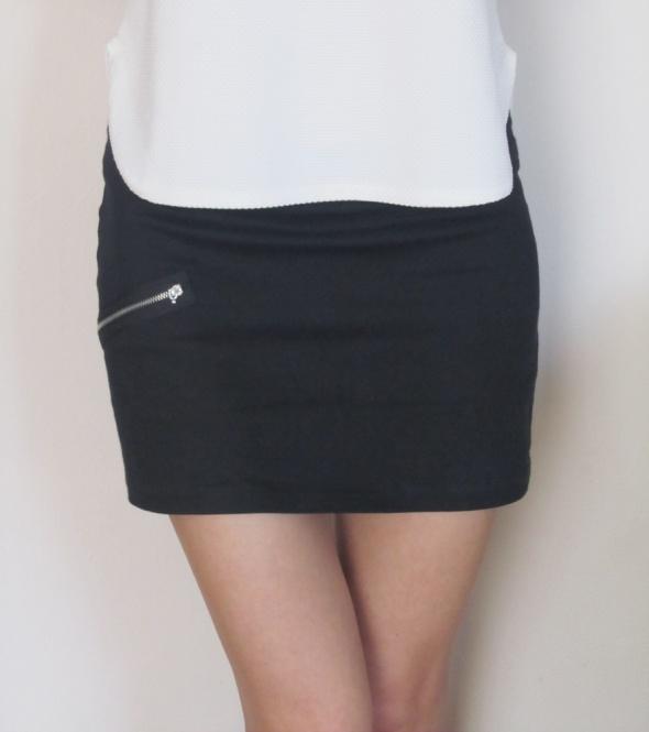 Spódnice czarna mini spódnica