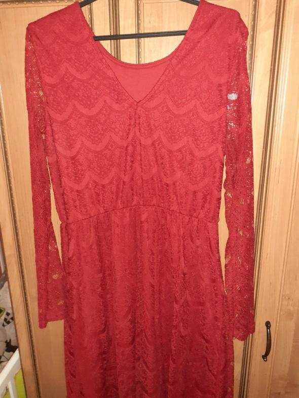 Sukienka czerwona reserved...