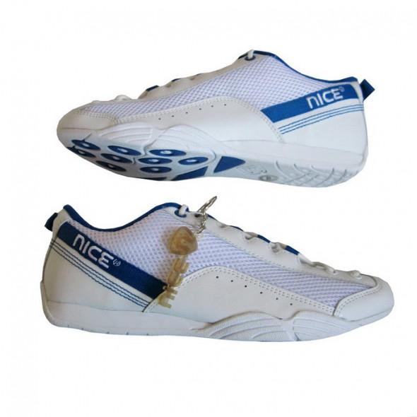 Białe Adidasy Skate Skóra 40 z USA...