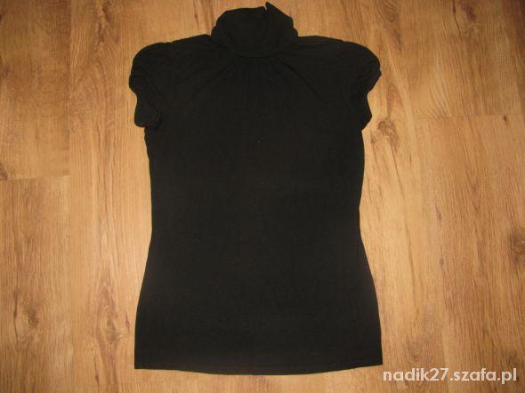 Czarna bluzka z krótkim rękawem na stójce roz S