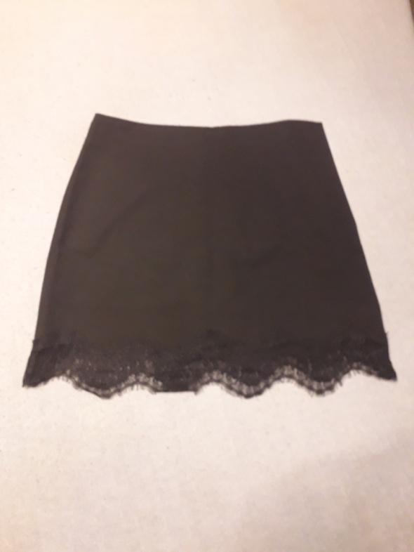Spódnice Zara z koronką nowa