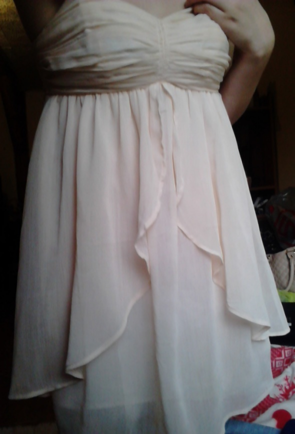 Kremowa beżowa mini delikatna sukienka Vila wesele