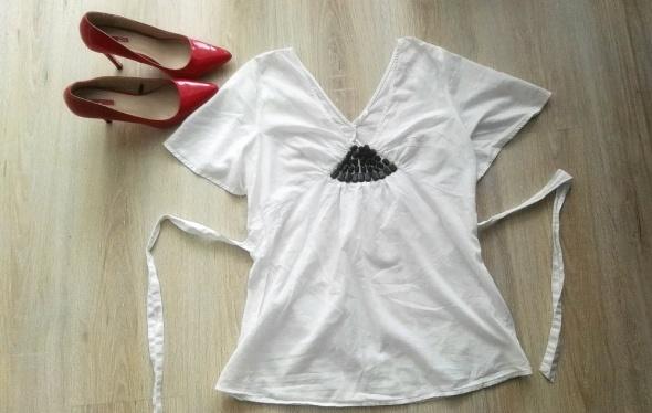 Elegancka biała bluzka RESERVED 3840 z kamyczkami ML